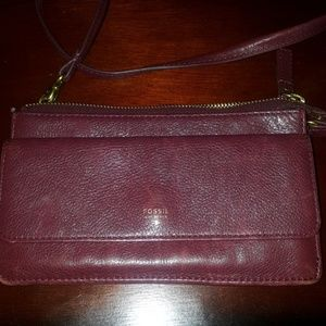 Fossil genuine leather crossover bag.